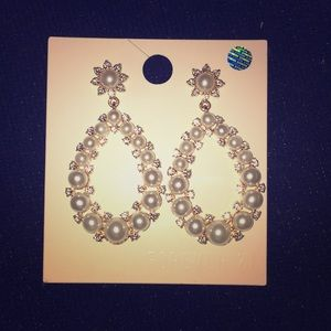 CLASSY EARRINGS💕!